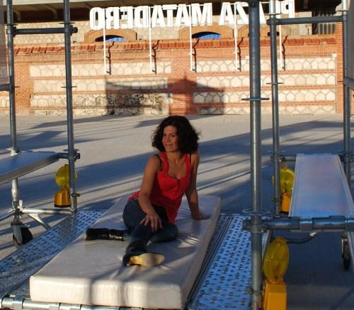 Rebeca Valls en uno de los patios de las Naves del Matadero