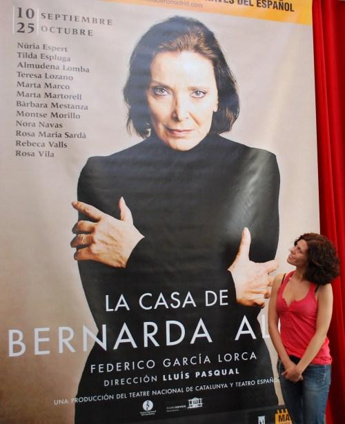 Rebeca Valls observa la expresión de Nuria Espert